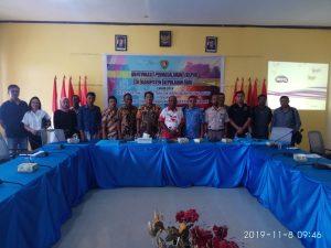 Foto Bersama Wakil Bupati, Instansi terkait dan Pengusaha di Aula Lantai 2. Kantor Bupati Kabupaten Kepulauan Aru